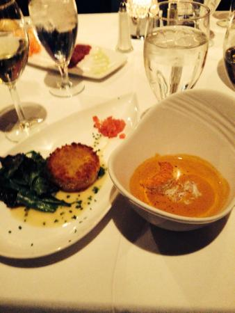 Nick's Fishmarket : Lobster Bisque and Crab Cake- Yum!!