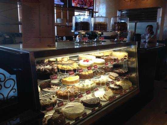 The Cheesecake Factory Vitrine De Babar