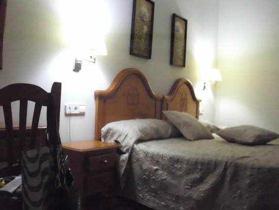 Hotel Goya: habitacion