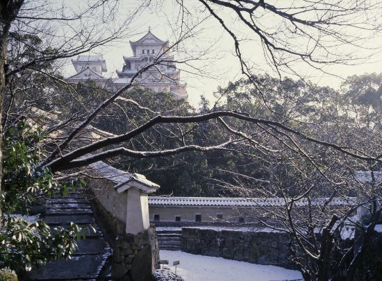 APA Hotel Himeji Eki Kita : 【姫路城】冬=はの門から天守