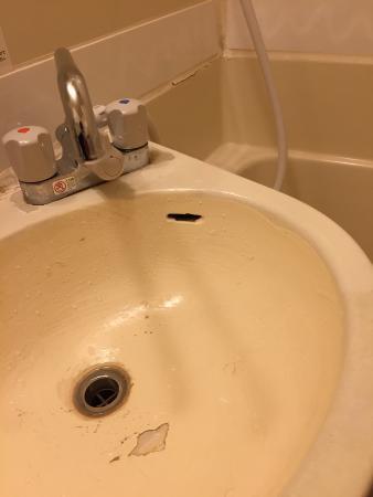 Hotel Abest Naganoekimae: 水回りを直してほしい。