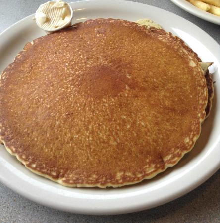Gardenview Diner: Massive pancakes, delicious