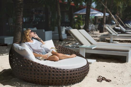 Queenco Hotel & Casino : Комфорт, чистота, шум моря и нежное солнце!