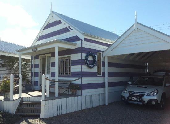 بيتش هتس ميدلتون: Henley Beach Hut