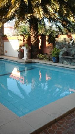 Aurelio's Mansion: Hotel pool