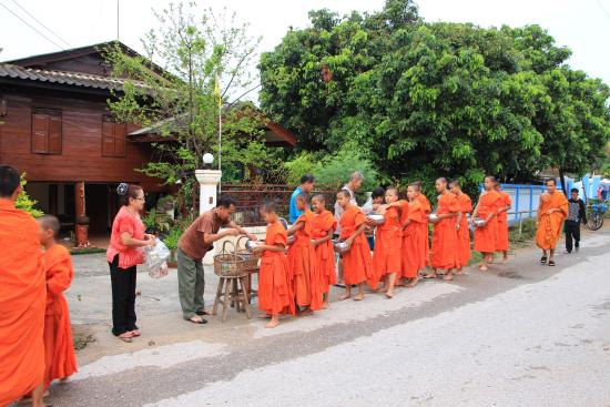 Authentic Thai Tours Day Tours