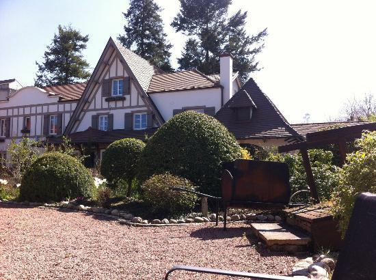 Hostellerie Bourguignonne : jardin