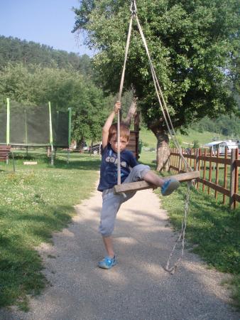 Villa Betula Resort : ...z trampolín na lanovku