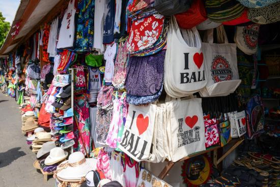 Kuta Art Markets: I Heart Bali