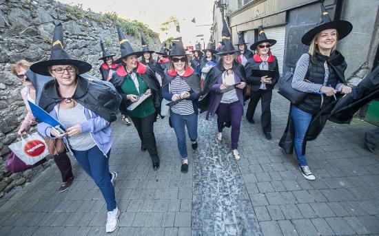 Kilkenny, Irlanda: happy witches