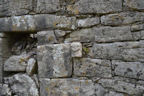 Temple Cronan: Stone carving