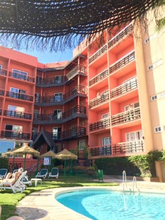 Hotel Tropicana: Front