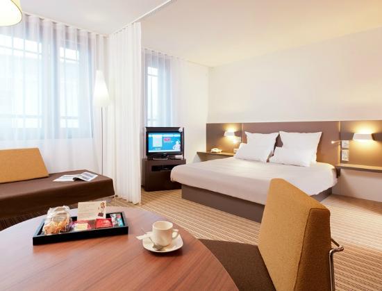 Novotel Suites Clermont Ferrand Polydome : suite rénovée