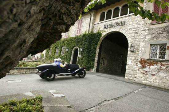 Corte Franca, Italy: Berlucchi Winery entrance