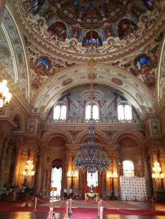 Dolmabahce Palace: The ceremonial hall