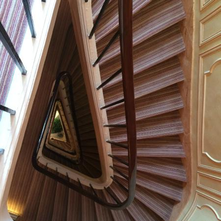 Hotel Le Regent: Winding down the stair case