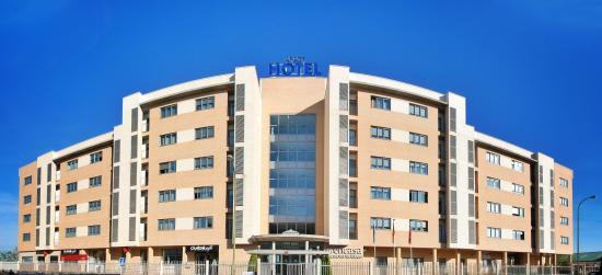 Aparthotel encasa prices apartment reviews madrid for Appart hotel madrid
