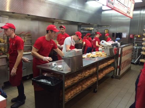 Muito bom picture of five guys london tripadvisor for Kitchen set up for restaurant