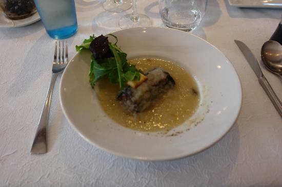Auberge Cigaloise : Velouté d'oignon des Cévennes avec son boudin noir