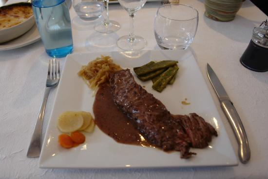 Auberge Cigaloise : Bavette grillée / sauce moutarde à l'ancienne
