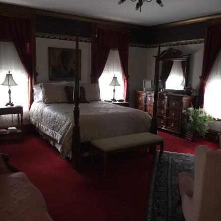 The Grand Victorian B&B: The Blossom