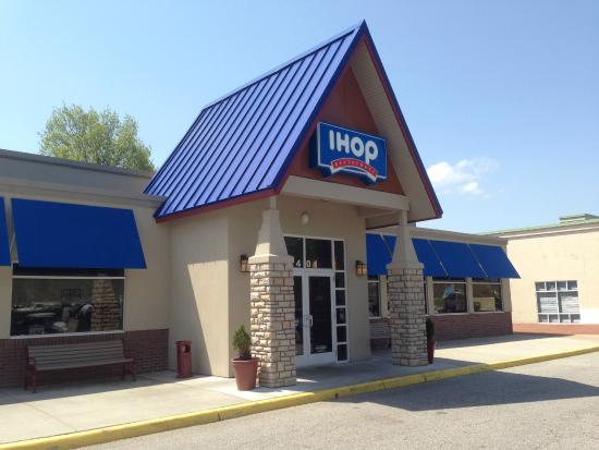 IHOP IHOP stores in Vienna VA - Hours, locations and phones Find here all the IHOP stores in Vienna VA. To access the details of the store (locations, store hours, website and current deals) click on the location or the store name.