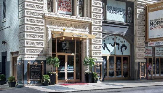 Hampton Inn Chicago  W Illinois Restaurants Nearby