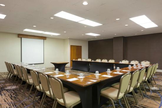 Embassy Suites by Hilton Phoenix Airport: Our flexible meeting space is perfect for a variety of functions and events