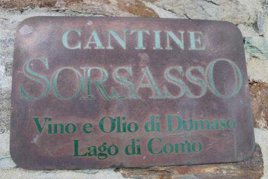 Agriturismo Sorsasso: Sign as enter dining area/winery