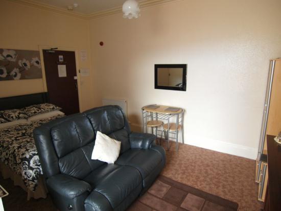 Waverley House Apartments: Flat 6 first floor