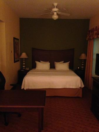 Homewood Suites Shreveport: King Bedroom Suite