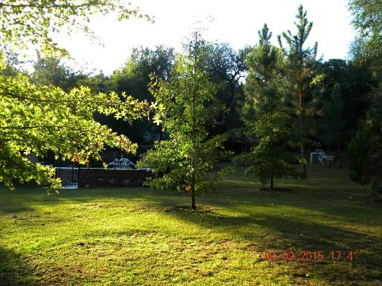 Bosque Encantado Cabanas: Puesta de sol en el parque