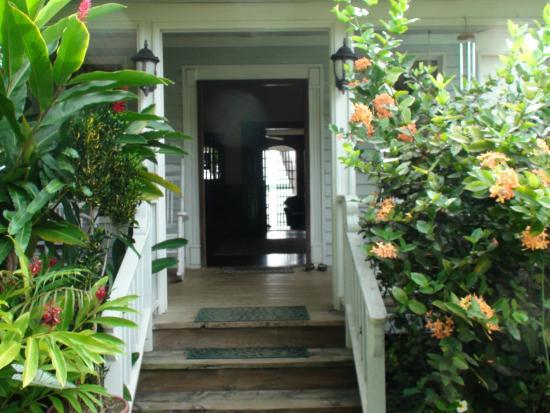 O'Keefe's Waterfront Inn: O'Keefe's Entrance