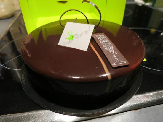Sebastien Brocard Patissier Chocolatier: Gâteau Vanille-Chocolat (vue avant coupe)