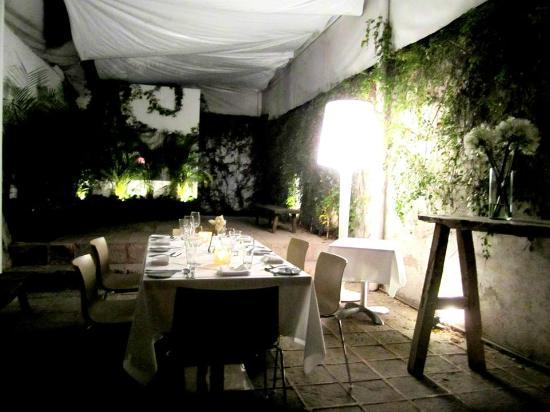 5dMayo Experimental Restaurante: El espacio, hermoso