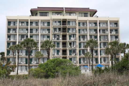 Econo Lodge Inn & Suites Beach: Picture of the back of the hotel.