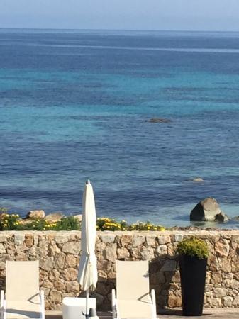 Residence Dary : Vu de la terrasse sur la piscine et la plage