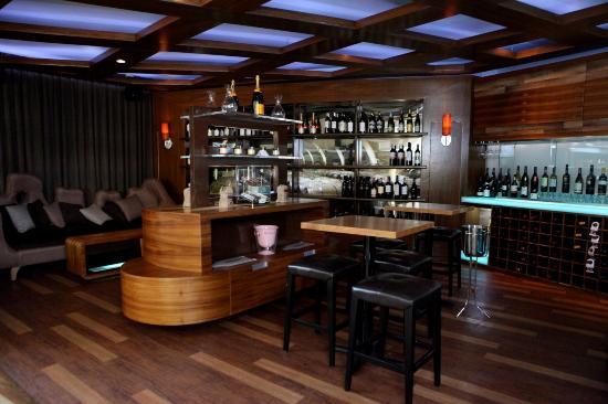 Isla Verde, Puerto Rico: Di Vino Wine & Tapas at Verdanza Hotel