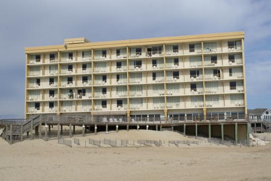 rear of hotel picture of comfort inn south oceanfront. Black Bedroom Furniture Sets. Home Design Ideas