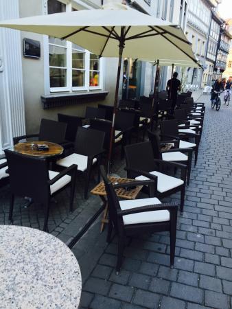 Hemingway Bar & Lounge