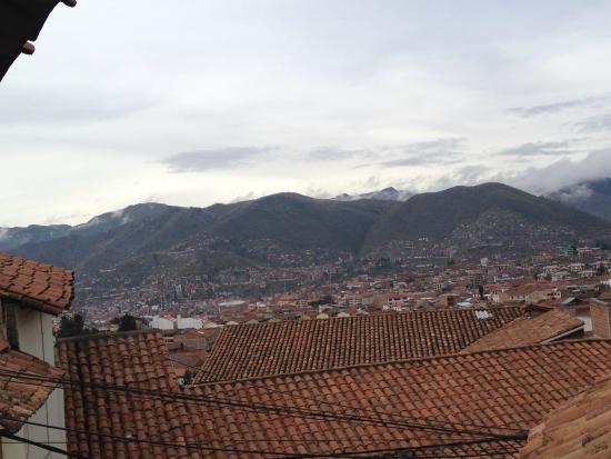 Apu Huascaran Hostal - Cusco: vista da sacada do quarto