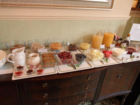 Pine Lodge Guest House : Breakfast