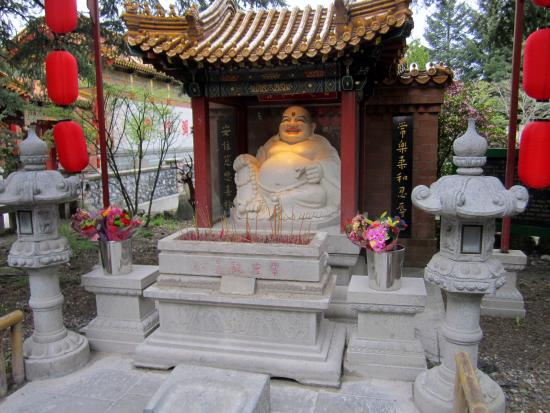 International Buddhist Society (Buddhist Temple): Buddha greets visitors to the Temple
