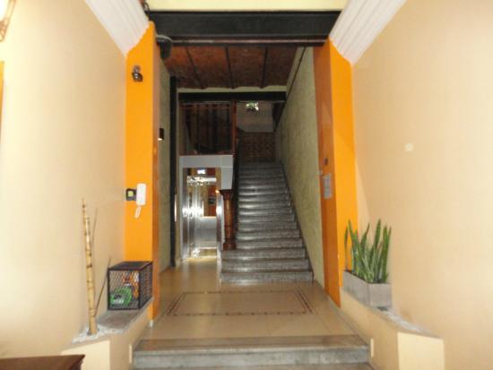 Hotel Parada: Entrada do Hotel parte 2