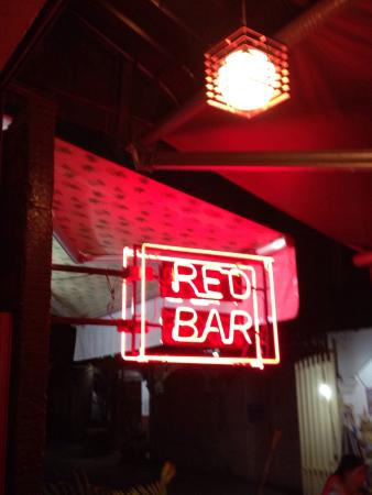 ‪Red Bar‬