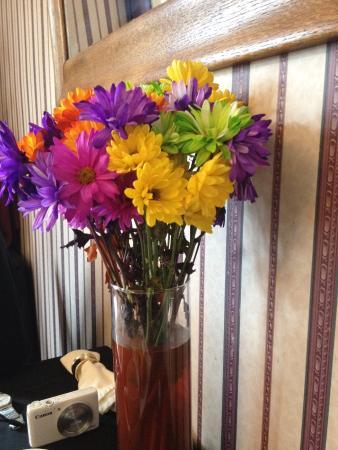 Spring Street Inn : fresh flowers