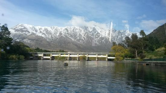 Queenstown, New Zealand: View from Cruise to Remarkables