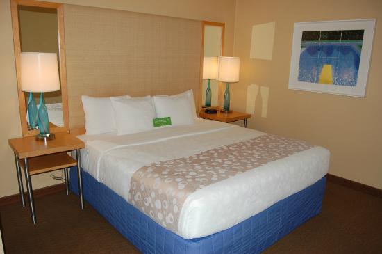 La Quinta Inn & Suites Orange County - Santa Ana: very clean and attractive