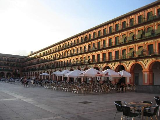 Hotel Mezquita Cordoba Parking