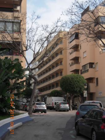 Hotel Apartamentos El Faro: Hotel street view